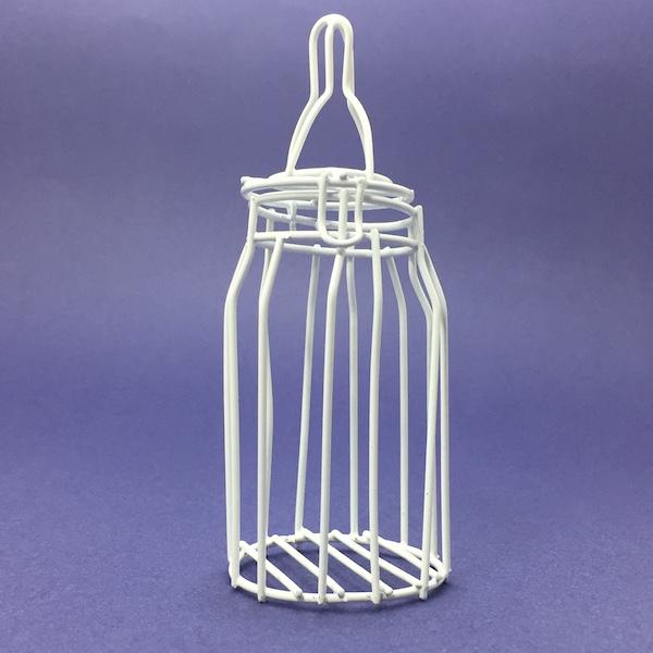 Biberón de metal blanco. Medidas: 13cm x 5cm 1