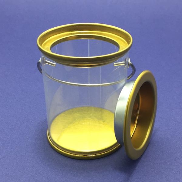 Bote con tapa dorada Medidas: 6cm x 8cm