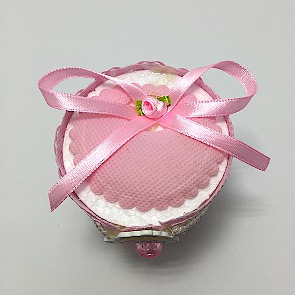 Bote de plástico y tela en colores rosa y azul